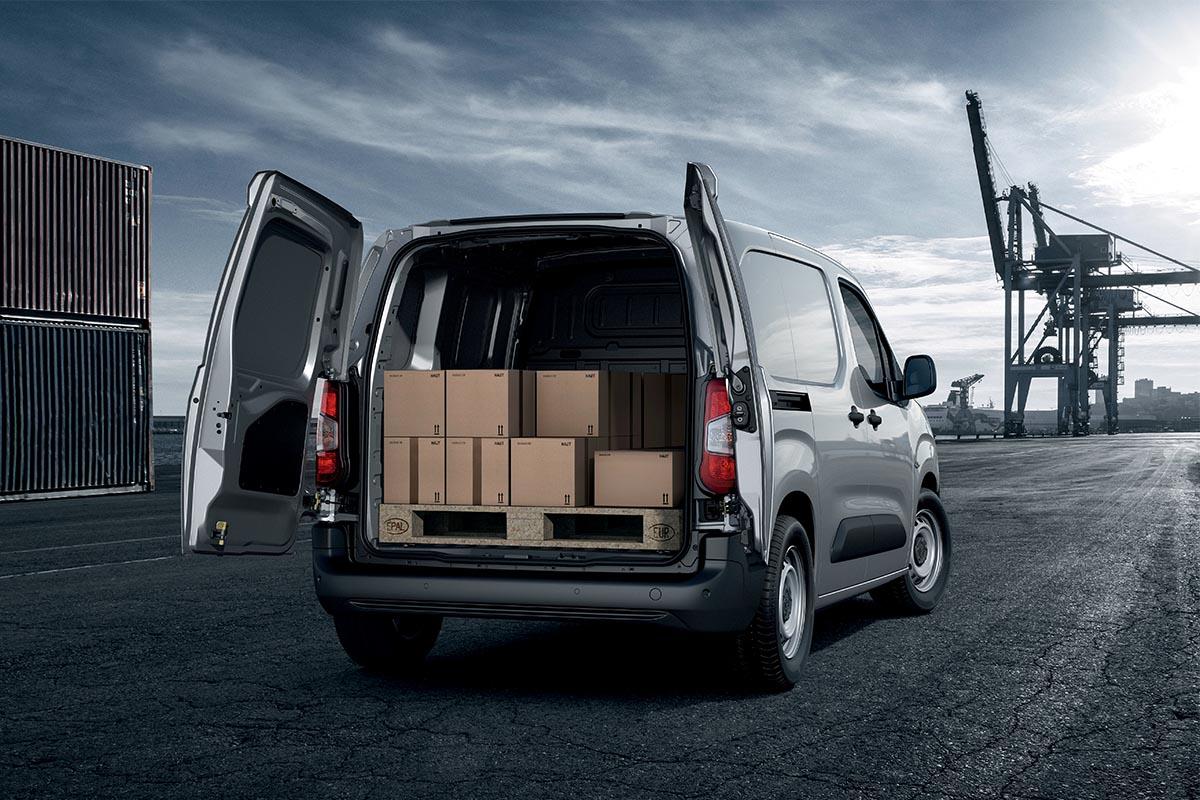 new-peugeot-partner-van-commercials-on-sale-aldershot-hampshire-16