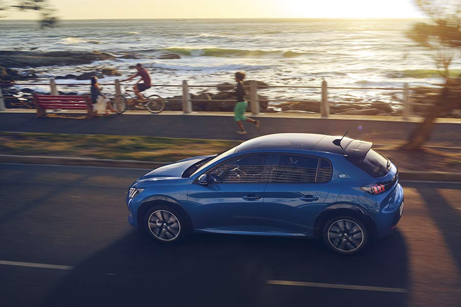 new-peugeot-208-car-sales-electric-driving-without-compromise