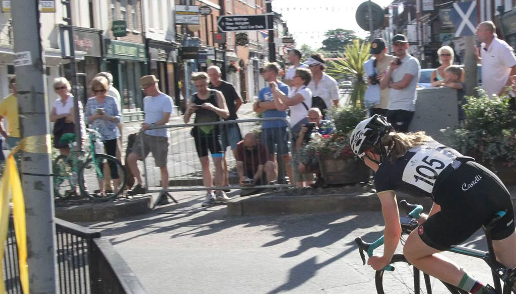 downing-street-farnham-town-centre-races