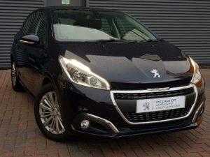 Peugeot 208 1.2 PureTech Signature (s/s) 5dr
