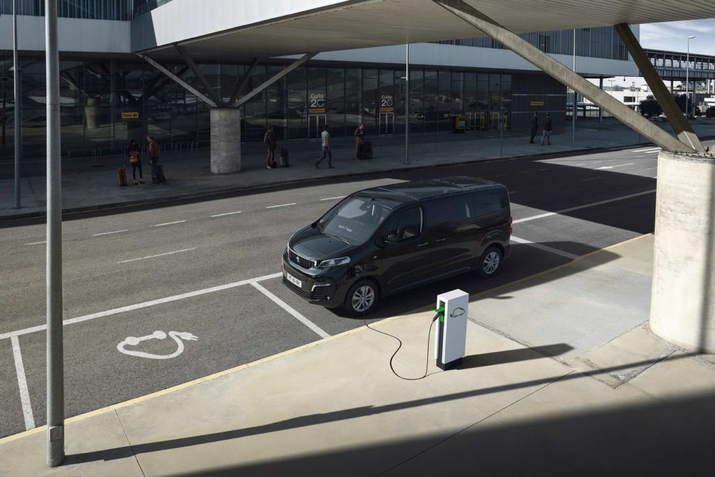 new-peugeot-e-traveller-all-electric-mpv--001