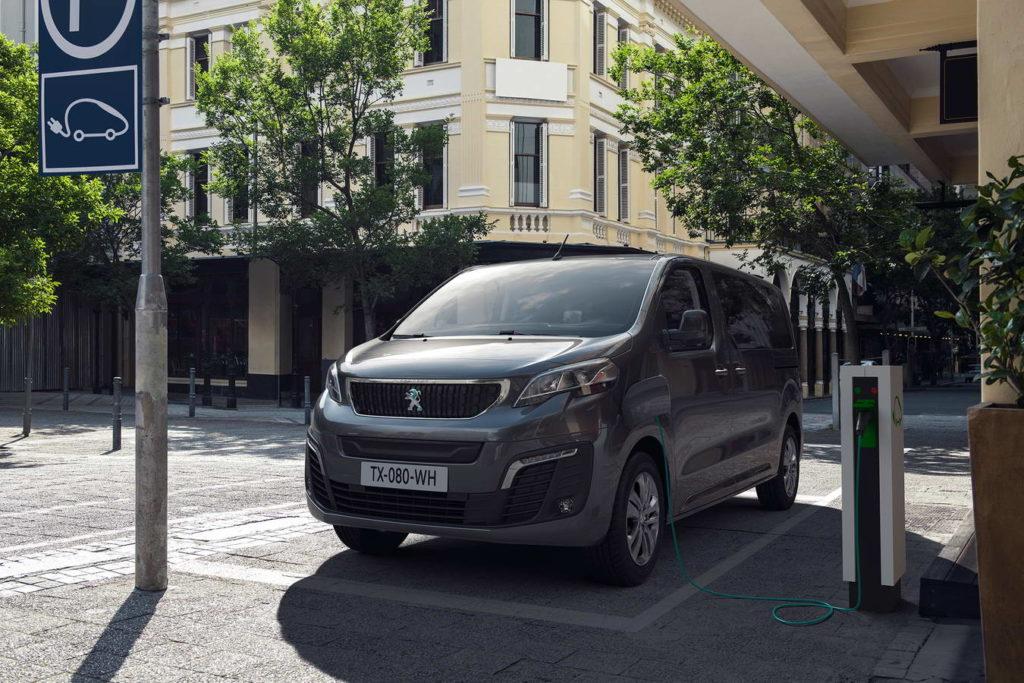 new-peugeot-e-traveller-all-electric-mpv--010
