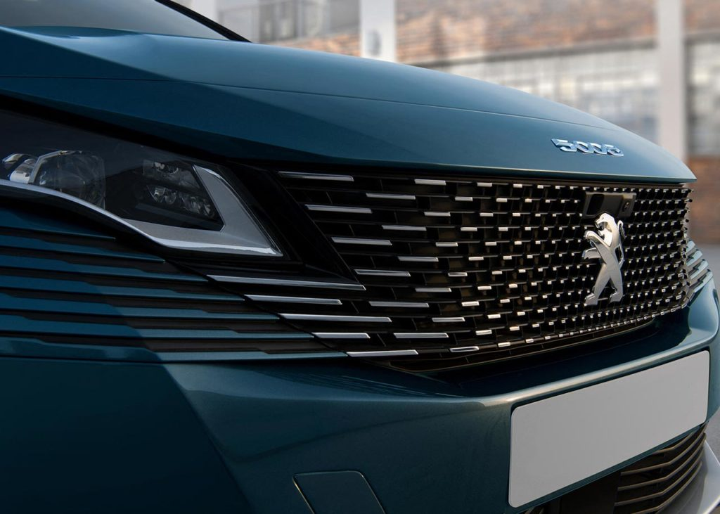 new-5008-suv-frontend-frameless-grille