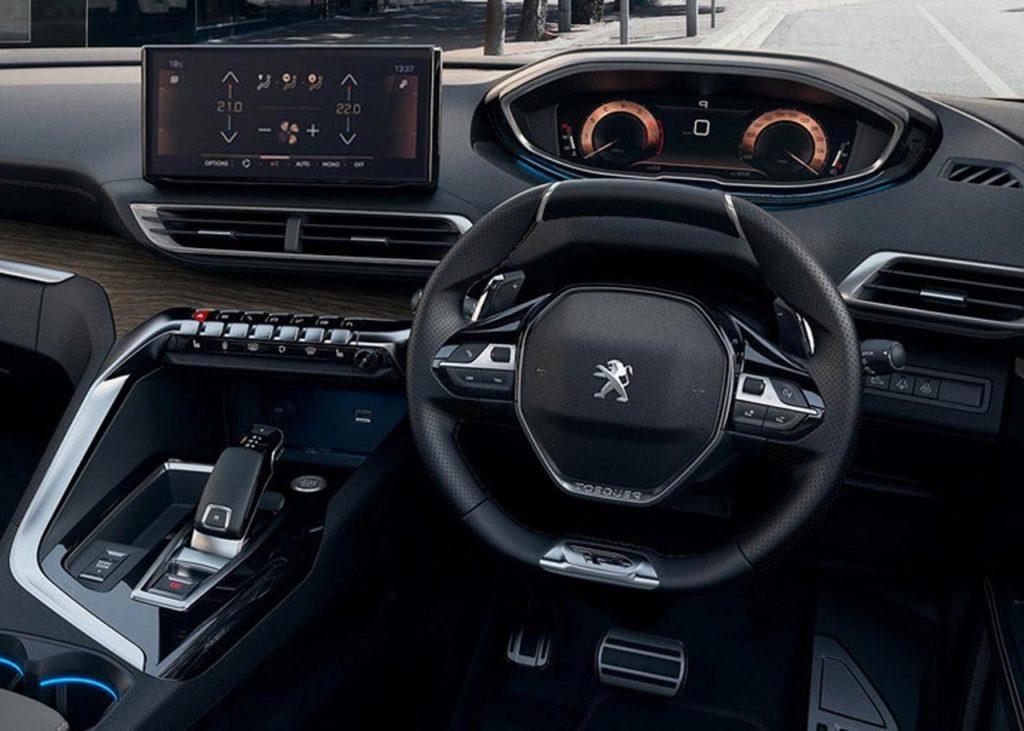 peugeot-new-3008-suv-i-cockpit