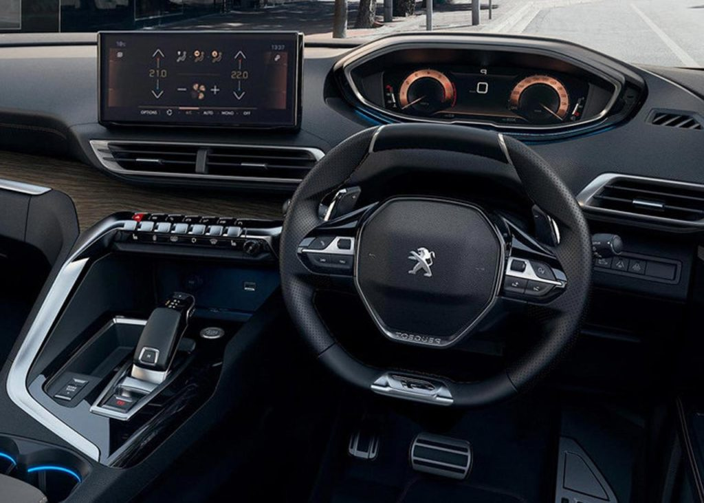 peugeot-new-5008-suv-i-cockpit
