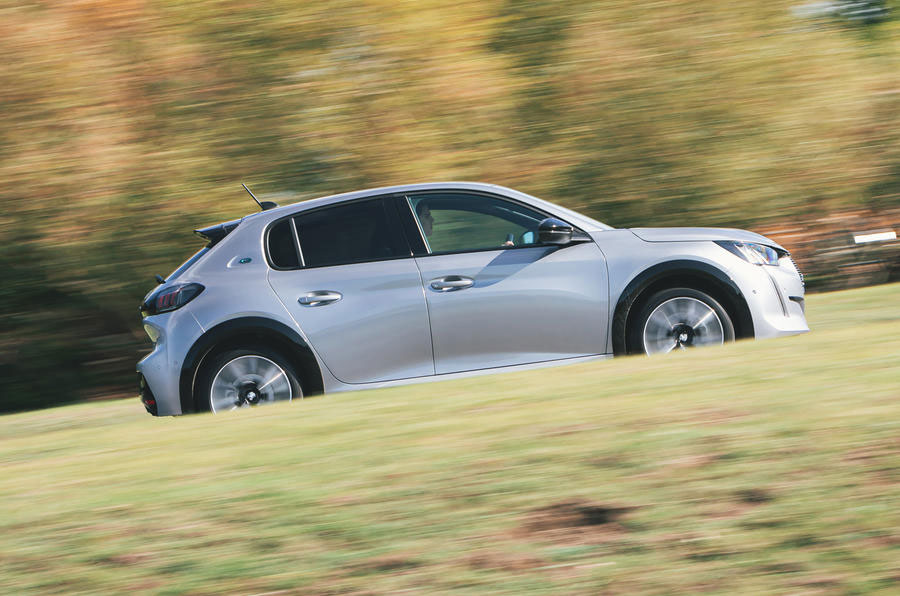 all-new-peugeot-e208-autocar-electric-car-of-the-year-6