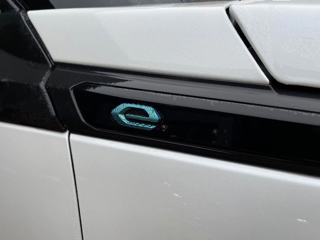 delivery-mileage-e-2008-suv-e-logo