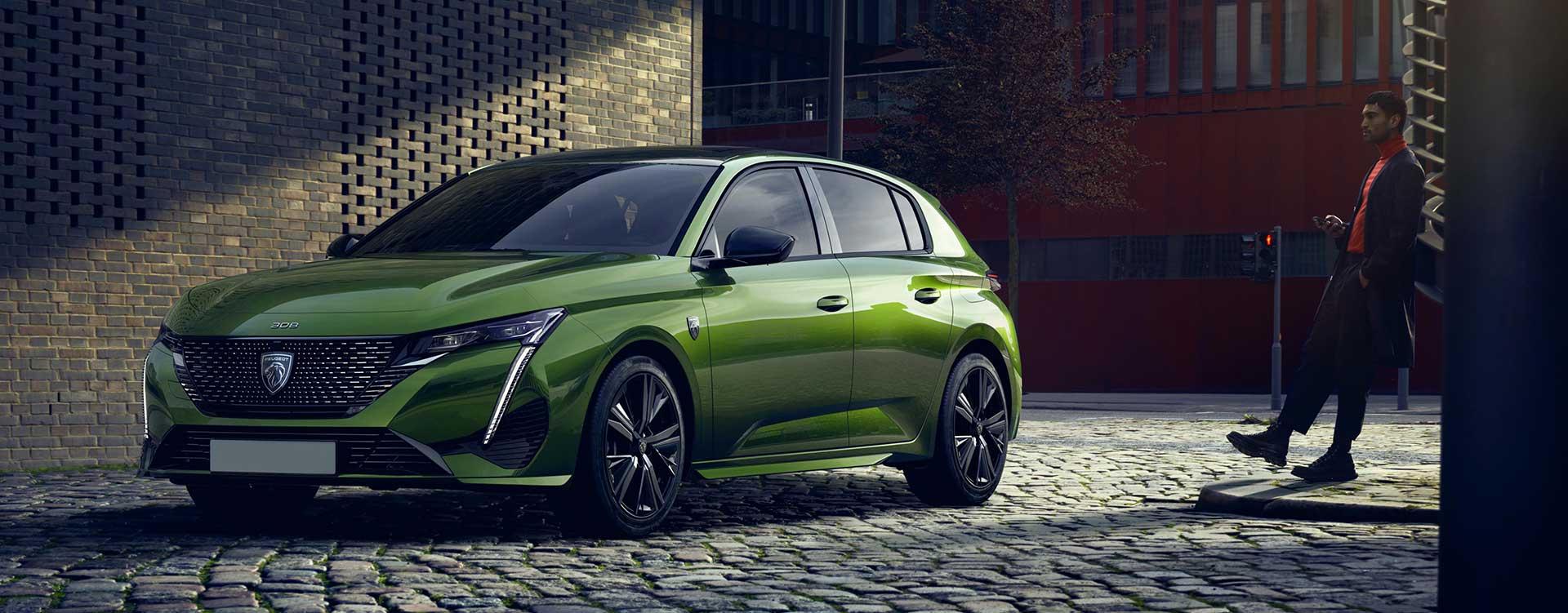 new-peugeot-308-hatchback-on-the-road