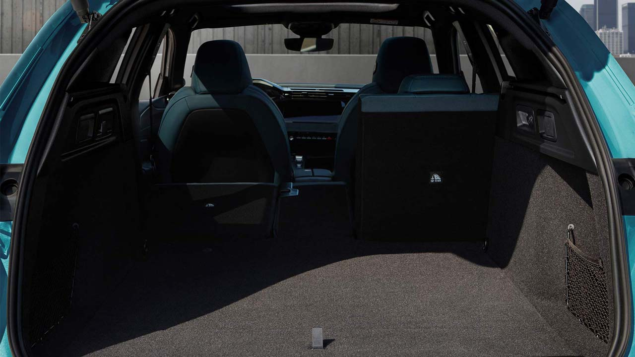 new-peugeot-308-sw-boot-space