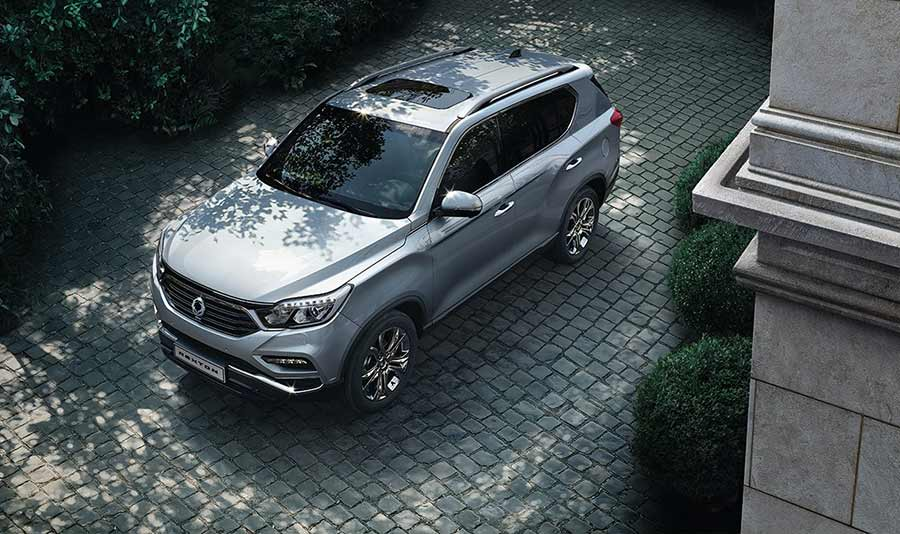 new-ssangyong-rexton-suv--seven-seater-charters-reading-berkshire