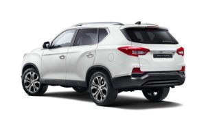 new-ssangyong-rexton-suv-2017-seven-seater-charters-reading-berkshire-gallery-2