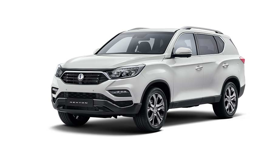 new-ssangyong-rexton-suv-2017-seven-seater-charters-reading-berkshire-gallery-7