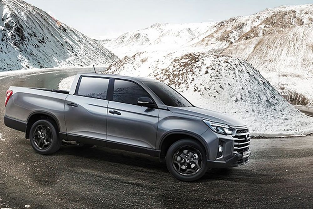 new-ssangyong-musso-pick-up-mountain-roading