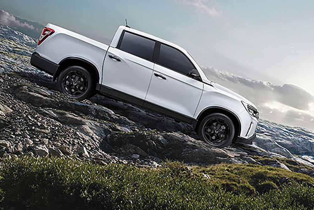 new-ssangyong-musso-pick-up-non-stop-driving