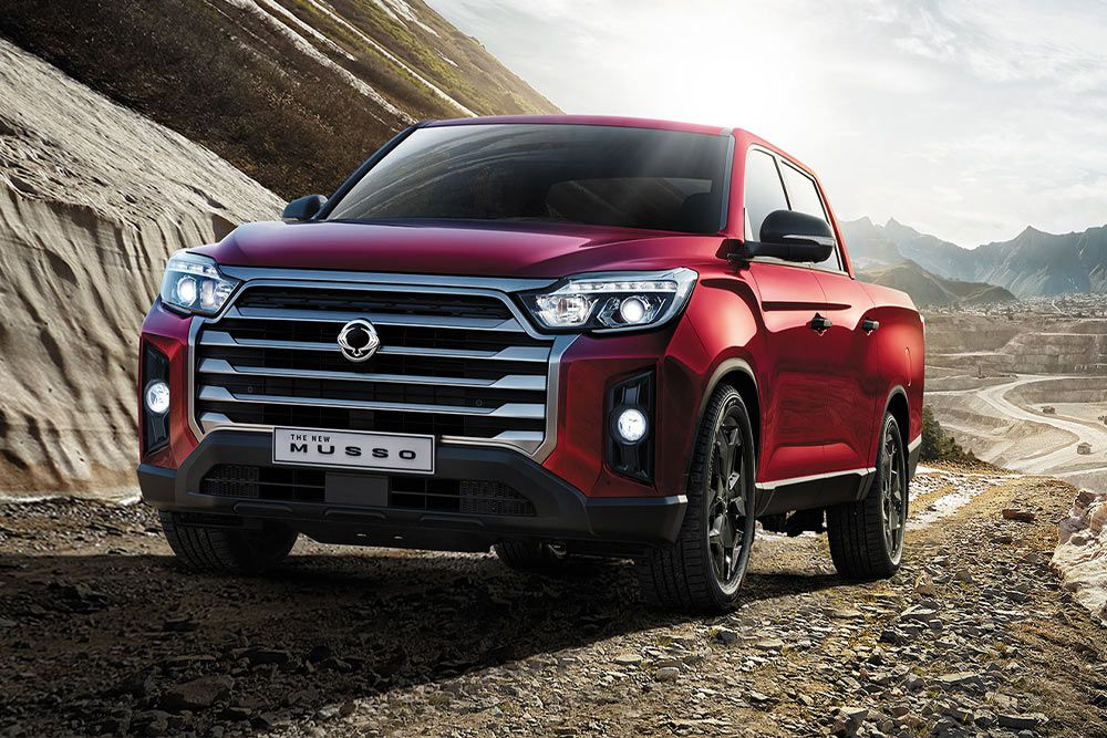 new-ssangyong-musso-pick-up-on-the-road