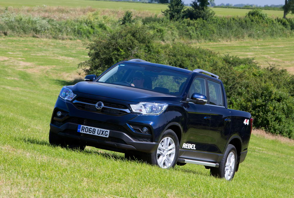 new-ssangyong-musso-pickup-2018-charters-reading-034