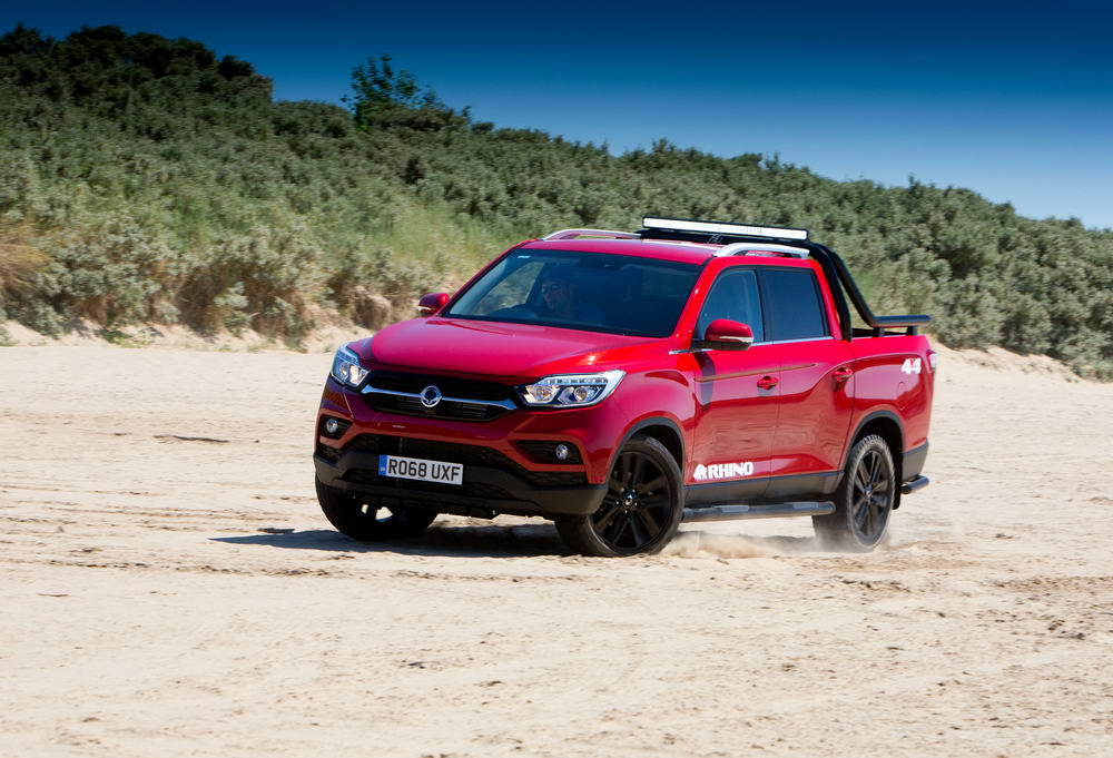 new-ssangyong-musso-pickup-2018-charters-reading-054