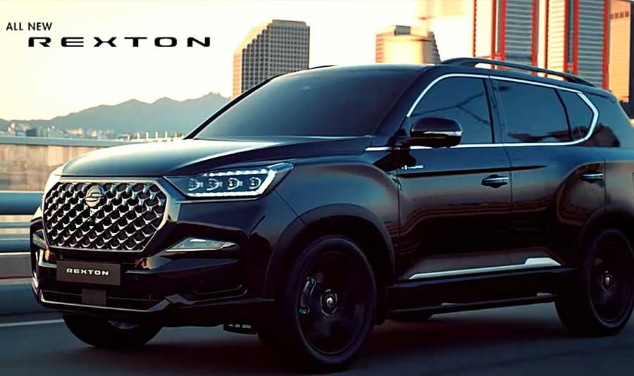 new-rexton-side-driving