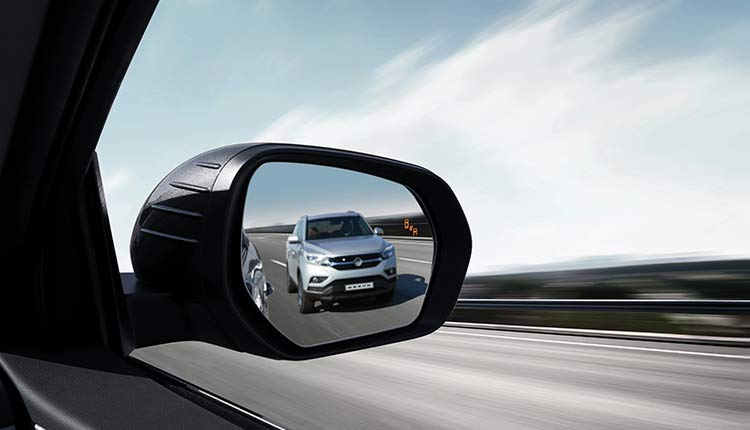 ssangyong-musso-blind-spot-monitoring