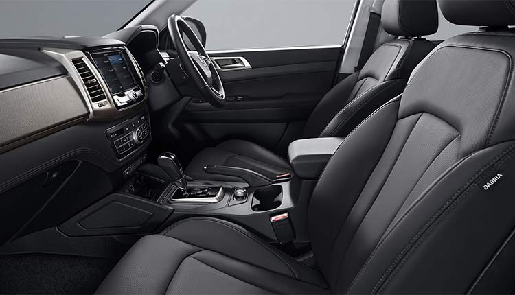 ssangyong-musso-interior