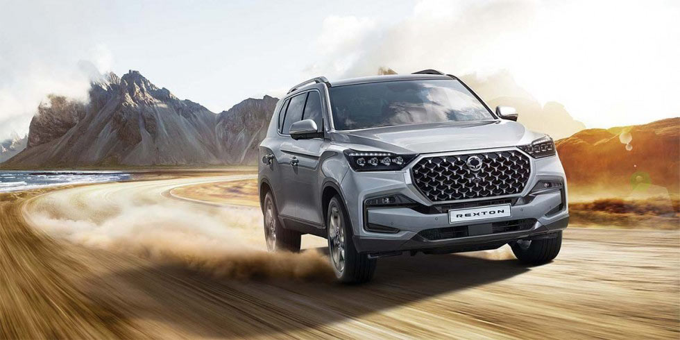 new-ssangyong-rexton-suv-driving-off-road
