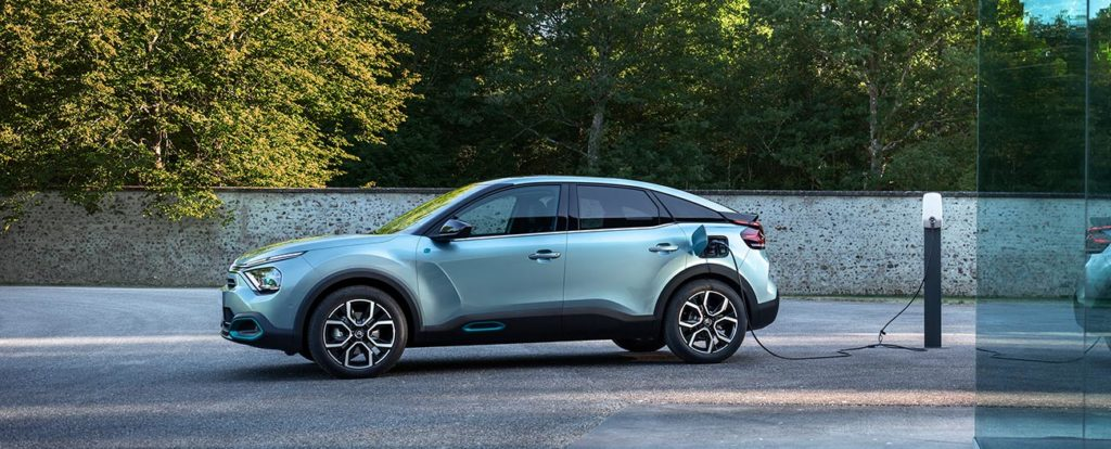 new-citroen-e-c4-all-electric-charging-side