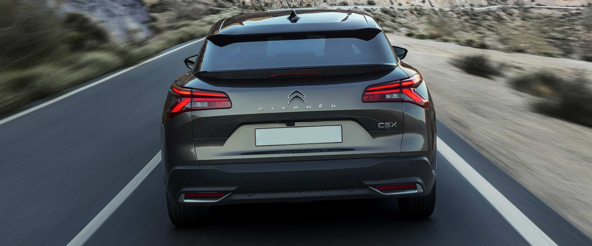new-citroen-c5x-rear-driving